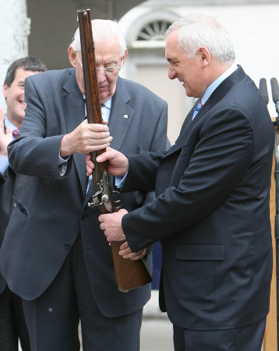 Ahern and Paisley in historic visit to battlefield