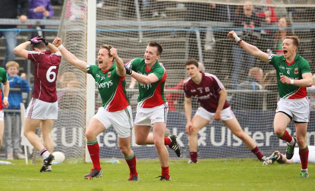 Andy Moran celebrates with Cillian O'Connor