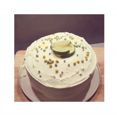 Made a tasty gin and tonic cake with lime curd for @donthink2 25th birthday #cake #ginandtonic #ginandtoniccake