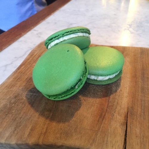 Happy World Gin Day! The best day of the year. Gin and Tonic Macaron! Fresh cucumber, lime and lemon filling with a Bombay Sapphire Gin gel. Only at @proofbaradelaide tonight, delicious! #macaron #macarons #macaroons #macaroon #foodie #adelaide #proofbar #pastry #gin #worldginday #yum #food #sugarman