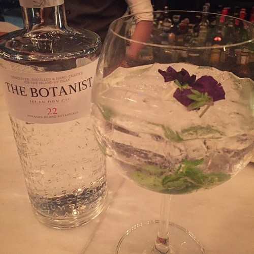 Happy World Gin Day! What better way to celebrate than with a glass (or few) of our hugely popular and iconic G&T's - some have even said they're the best in town. #weloveboutiquegins #worldginday #cocktails #drinks #gin