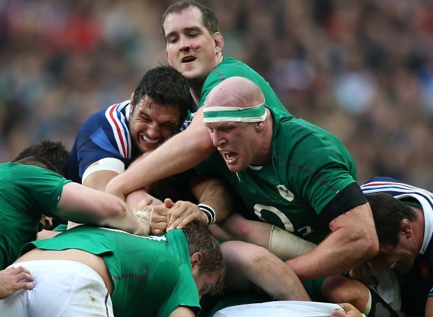 Damien Chouly with Devin Toner and Paul OÕConnell in a maul