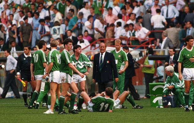 General View of the Irish team 1990