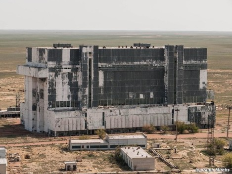 the-abandoned-garage-also-called-a-hangar-is-located-on-a-site-that-belong-to-russias-space-launch-facility-called-baikonur-cosmodrome-where-rockets-are-still-launched-today
