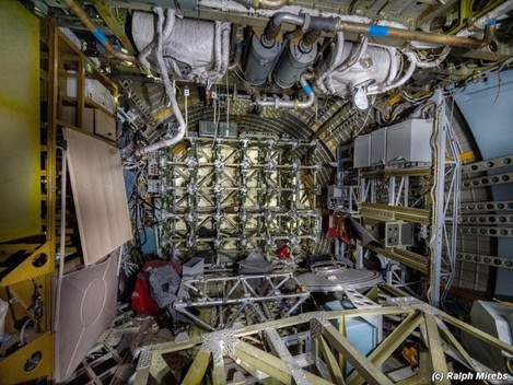 heres-another-look-at-some-of-the-interior-mechanics-of-the-shuttles-it-looks-like-there-are-some-shelves-on-the-left-that-might-have-been-used-by-cosmonauts-to-store-food