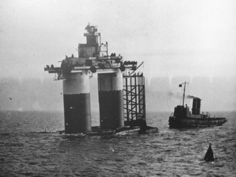 here-is-hm-fort-roughs-now-sealand-being-towed-into-place-in-1942-the-installation-didnt-begin-being-used-for-its-current-purpose-until-a-quarter-of-a-century-later
