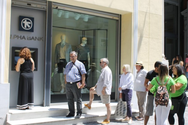 i-passed-a-small-atm-line-of-greeks-trying-to-reclaim-their-deposits-too