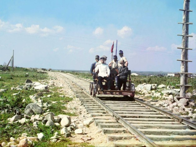 here-prokudin-gorskii-rides-the-murmasnk-railroad-in-a-handcar-the-railroad-was-built-by-the-russian-government-during-world-war-i-to-connect-petrograd-saint-petersburg-to-murmansk-the-last-city-to-