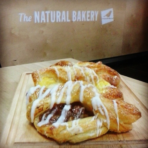 Why not drop in try our tasty pastries,made fresh daily in all natural bakery stores :) #danish #pastry #Apple #rhubarb #pear #icing #custard #baking #thenaturalbakerydublin #thenaturalbakery
