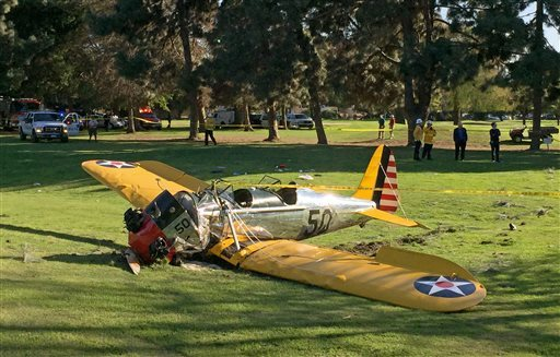 APTOPIX Golf Course Plane Crash