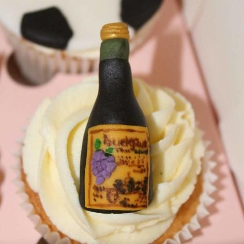 #cupcakes #cupcakestagram #instacupcake #baking #cakestagram #cake #baker #cakeart #fondantcupcakes #fondant #chocolate #buckfast