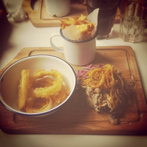 oh.my.god. #pulledpork #bbq #fries #onionrings #delish #smokinbones #dublin #damelane #somuchfood