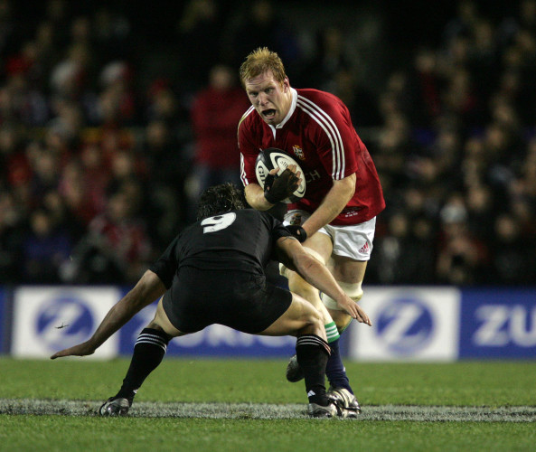 Paul O'Connell tackled by Byron Kelleher