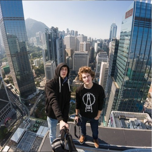 vitaliy-raskalov-22-and-vadim-makhorov-25-scale-tall-buildings-and-bridges-around-the-world-snapping-photos-from-the-top-of-them