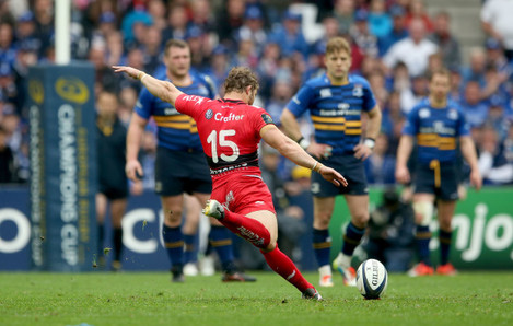 Leigh Halfpenny scores a penalty during extra time