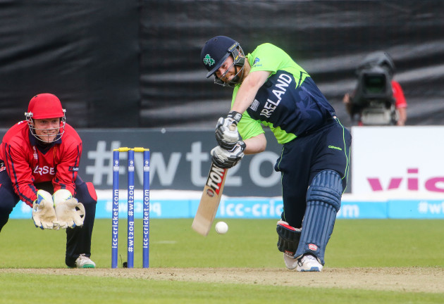 Paul Stirling batting