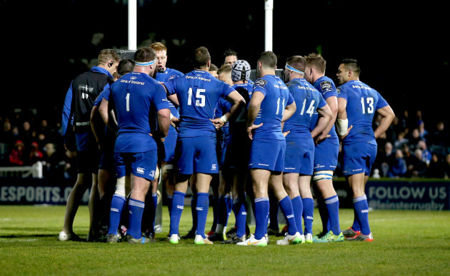 Leinster players huddle