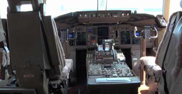 up-front-the-boeing-is-outfitted-with-a-modern-glass-cockpit