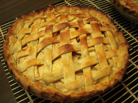 11/21: Apple pie and my first diamond lattice crust!