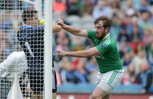 Sean Quigley scores a goal