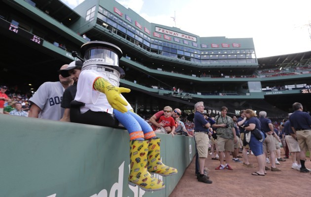 Hitchhiking Robot Red Sox Baseball
