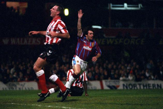 Soccer - Coca-Cola Cup - 3rd Round - Sunderland v Aston Villa - Roker Park