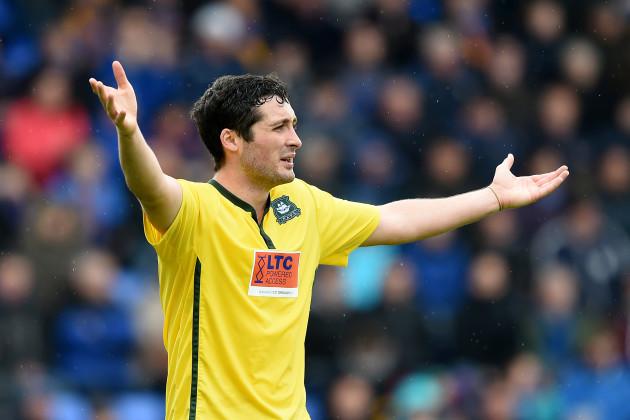 Soccer - Sky Bet League Two - Shrewsbury Town v Plymouth Argyle - Greenhous Meadow