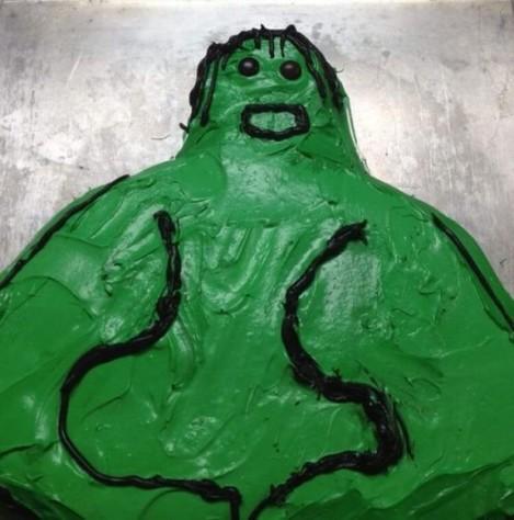 Funny-hulk-birthday-cake-fail-600x606