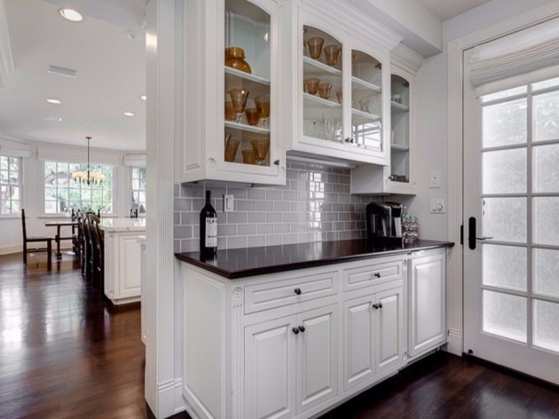 around-the-corner-from-the-kitchen-is-a-small-butlers-pantry