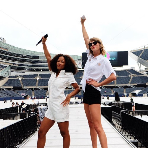 Before @serayah slayed it on stage singing 'Style' with me at Soldier Field in Chicago....