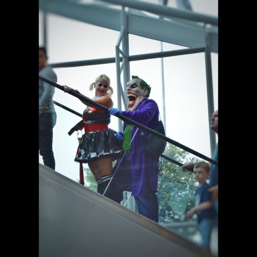Another one of some awesome cosplayers from yesterday's @dublin_comic_con, this time #TheJoker & #HarleyQuinn #lookdcc