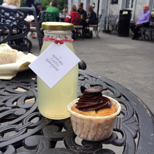 Little treats after a long hike! #ashfordcastle #homemadelemonade #cupcake #treats