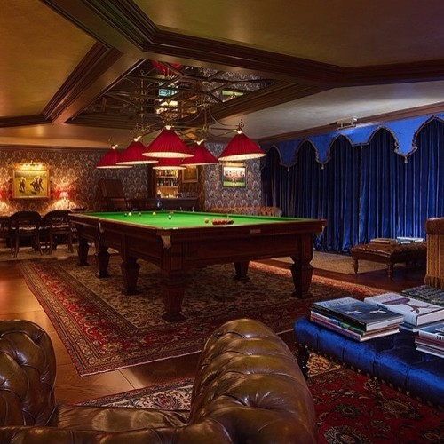 Although we're closed, just picture yourself playing snooker in our new Billiard room. Roaring fire, wing back chair and a glass of aged whiskey... Now head over to www.ashfordcastle.com and book your spring stay! #snooker #billiards #luxuryhotel #irishcastle #irishhotel #leadinghotel #discoverireland #visitireland #ireland #cong #countymayo #castle #interior #rchexperiences #gamestoom