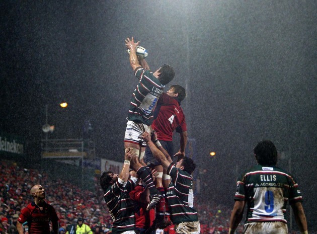 General view of a lineout in the rain
