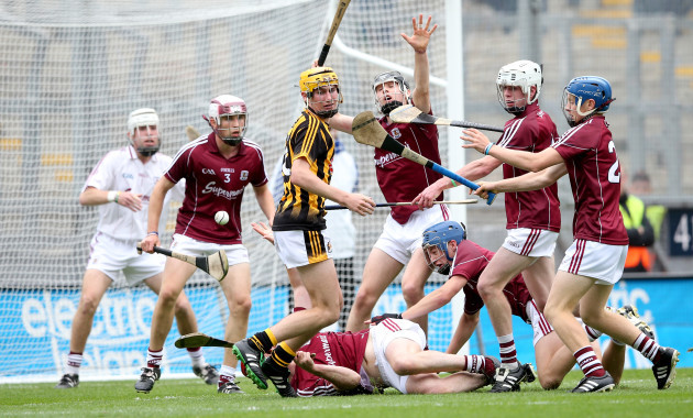 Richie Leahy is unable to get an attempt on goal late in the game