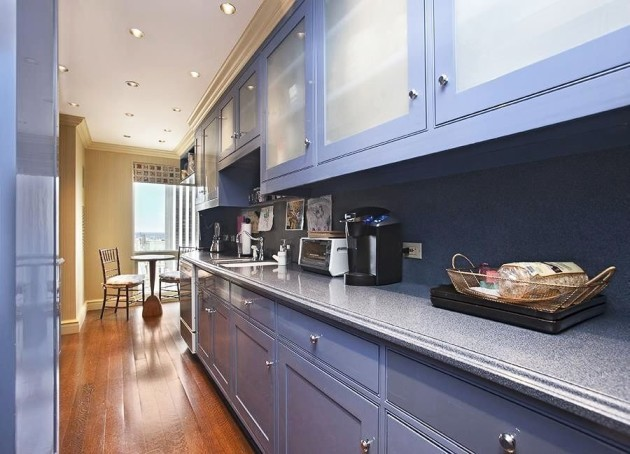 the-kitchen-is-a-bit-cramped-but-there-is-space-for-a-small-breakfast-nook