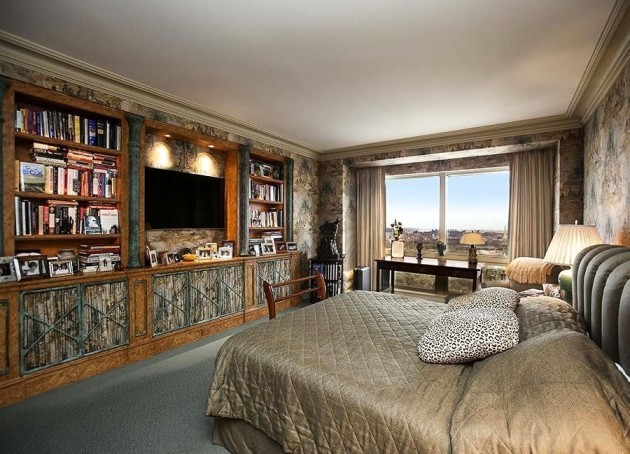three-bedrooms-occupy-the-2500-square-foot-apartment