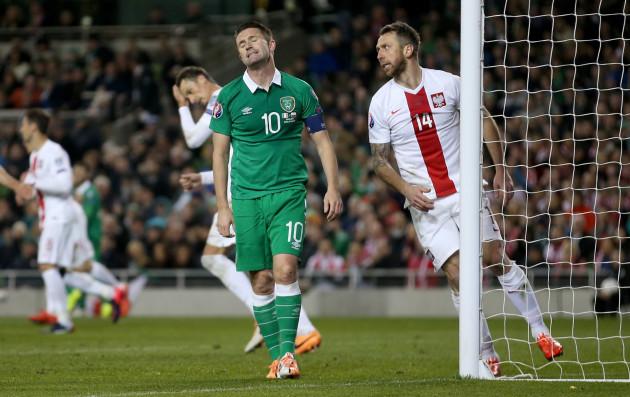 Robbie Keane frustrated