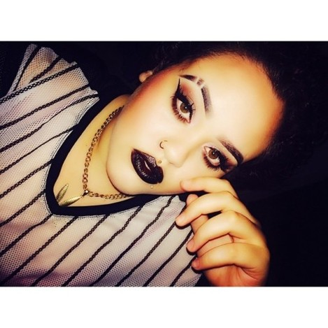 Noir. #me #makeup #mua #motd #noir #black #lips #slits #eyebrows #greeneyes #eyes #420 #420girls #chain #gold #stoner #stnrs #eyebrowslits #brows #london #mixedgirls #flygirls #leaf #piercings #medusa