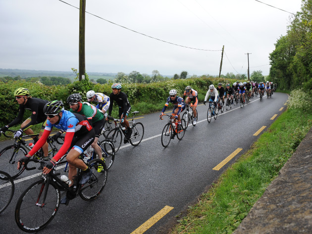 General view of the lead riders as they pass over the Hill of Allen