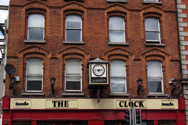Dublin_-_The_Clock_Pub_-_110508_144542