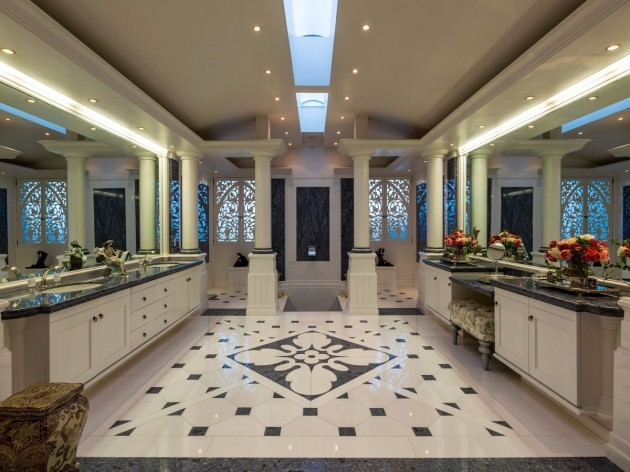 decorative-tile-work-also-echoes-the-design-theme-in-one-of-the-homes-10-bathrooms