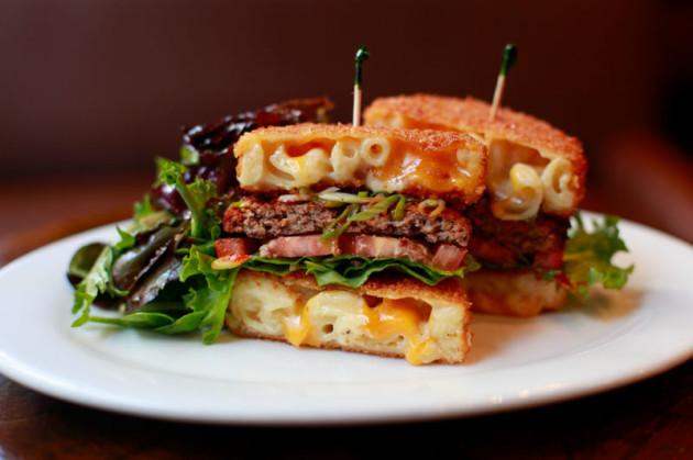 mac-cheese-attack-burger