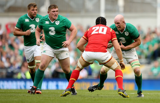 Jordi Murphy, Tadhg Furlong and Paul O'Connell runs at James King