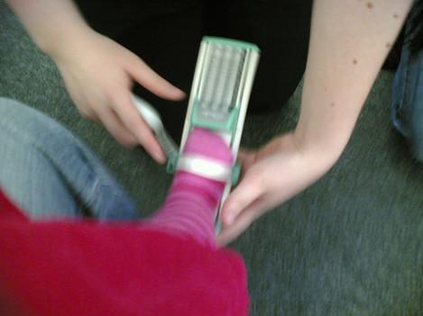 Min gets her feet measured