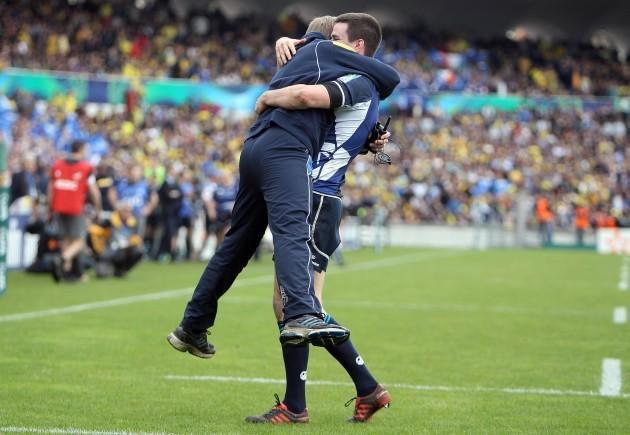 Joe Schmidt celebrates with jonathan Sexton