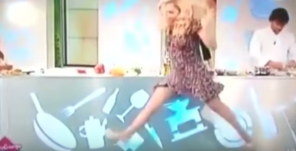 This actress attempted to do the splits on live TV and