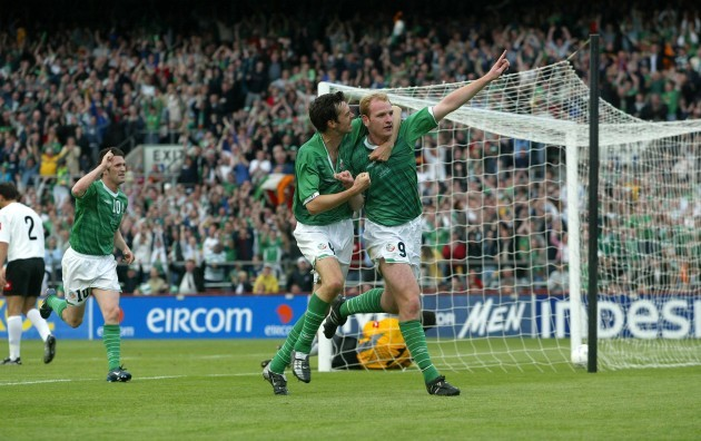 Gary Doherty is congratulated by Gary Breen 11/6/2003