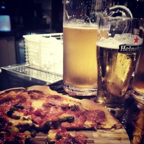 Wouldn't say no to this tonight.. #wishes #sendbeerandpizza