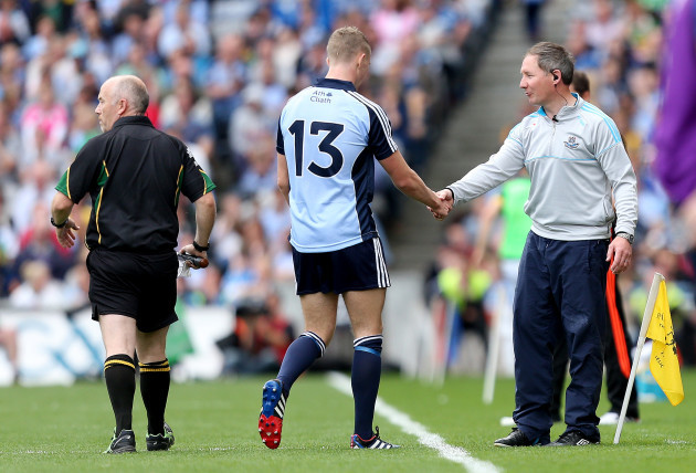 Paul Mannion shakes hands with manager Jim Gavin